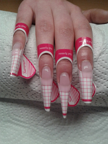 Schablonenverlängerung mit Fiberglasgel rose - (Beauty, Kosmetik, Fingernägel)