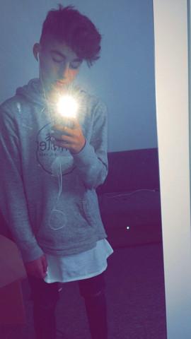 - (Haare färben, silber grau)