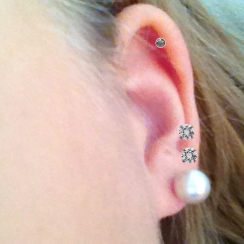 Ohrringe - (Piercing, Tattoo, Tätowieren)