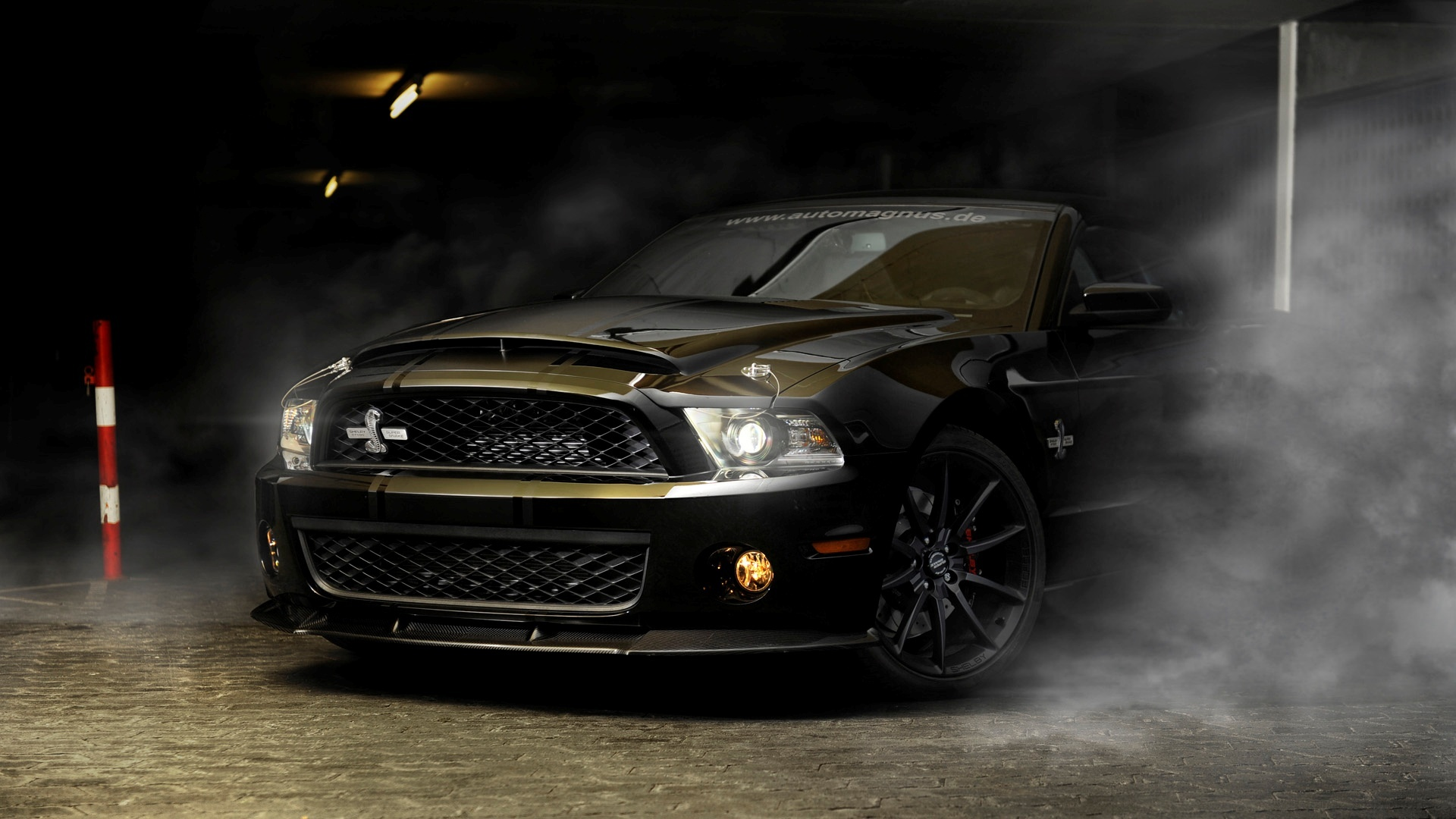 ford mustang 2013 v6 oder 2012 gt mit v8 auto. Black Bedroom Furniture Sets. Home Design Ideas