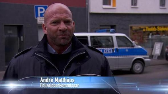 - (Körper, Fitness, Polizei)