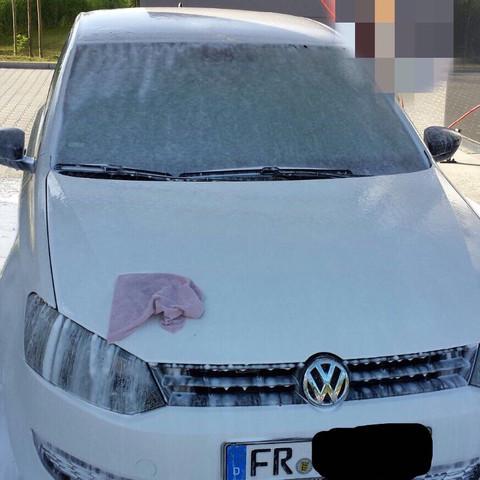 ...... - (Auto, waschen, putzen)