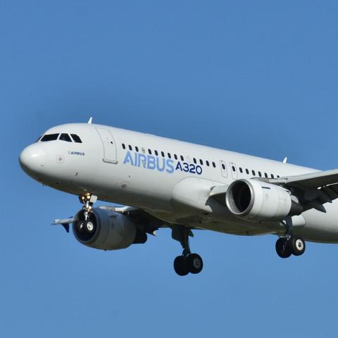 Airbus A320 - (Flugzeug, Airbus, Boeing)