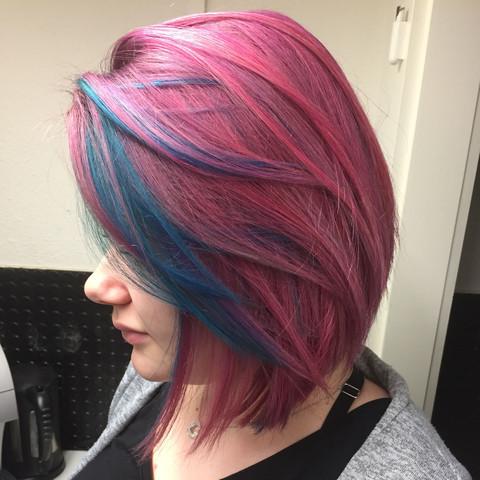 Hatte die farbe viollet drauf - (Haare, Haarfarbe, tönen)