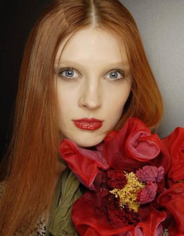 Lila Lippenstift Bei Roten Haaren Rote Haare