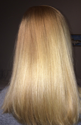 - (Haare, Friseur, blond)