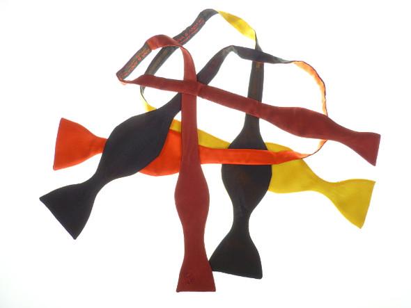 einteilige Fliegen individuell hergestellt in vielen Farben - (Fliege, Männerassecoirs)