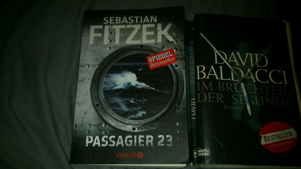- (Buch, lesen)