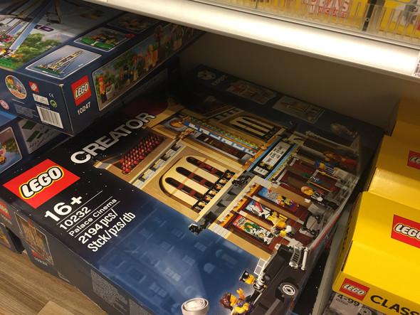 Lego Palace Cinema - (Definition, Lego)