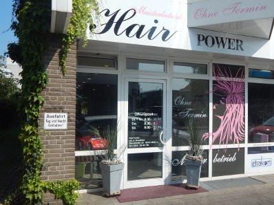 - (Haare, Friseur, Frisör)
