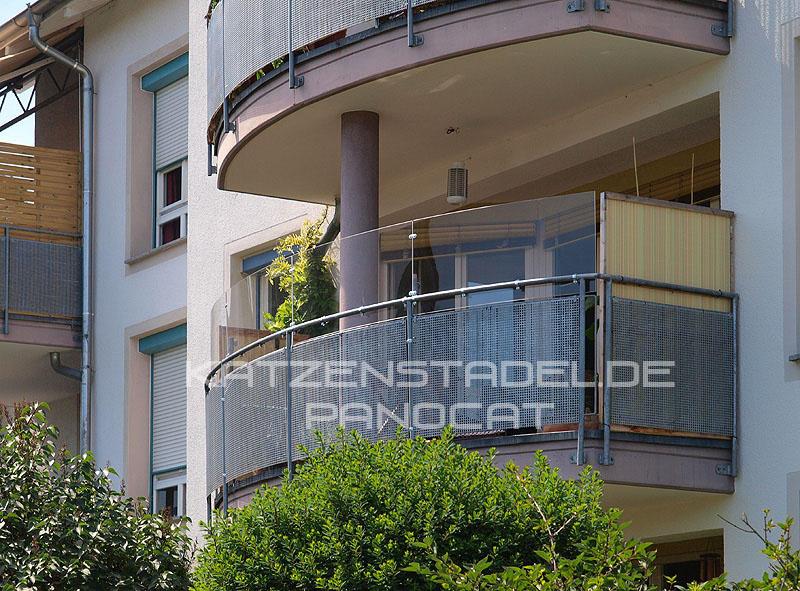 wie kann ich katzen gesicherten freigang bieten balkon. Black Bedroom Furniture Sets. Home Design Ideas