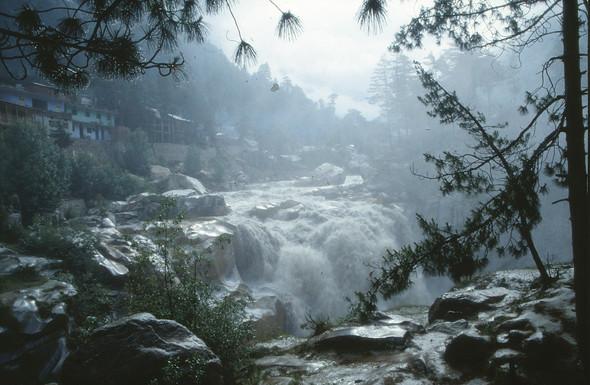 Bhagirathi Falls (Gangotri)  - (Indien, Google Earth, Fluss)