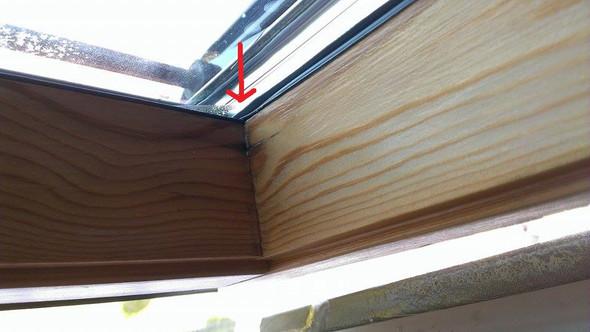 feuchtigkeit an velux dachfenster normal haus fenster glas. Black Bedroom Furniture Sets. Home Design Ideas