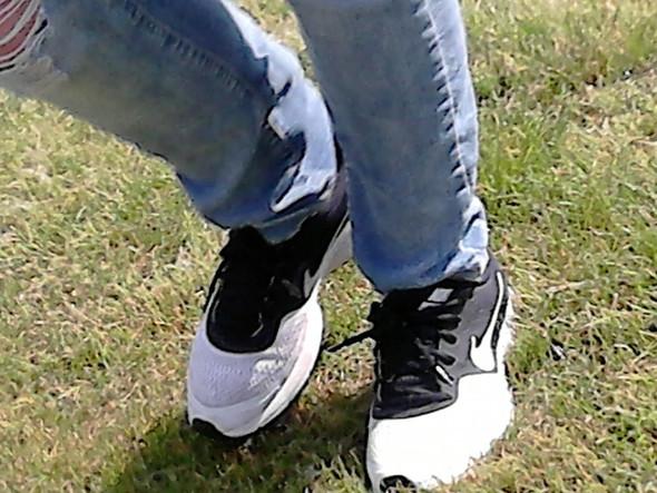 - (Mädchen, Schuhe, Fragen)