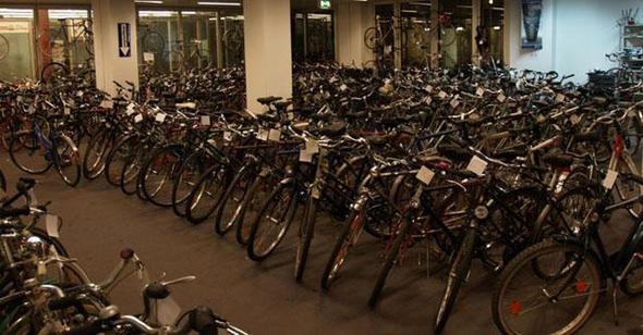 bikePARK- Riesen Fahrrad Markt Berlin - (Arbeit, Geld verdienen)