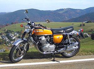 Honda CB750 Four  - (Motorrad, Zylinderkopf, 1.Service)