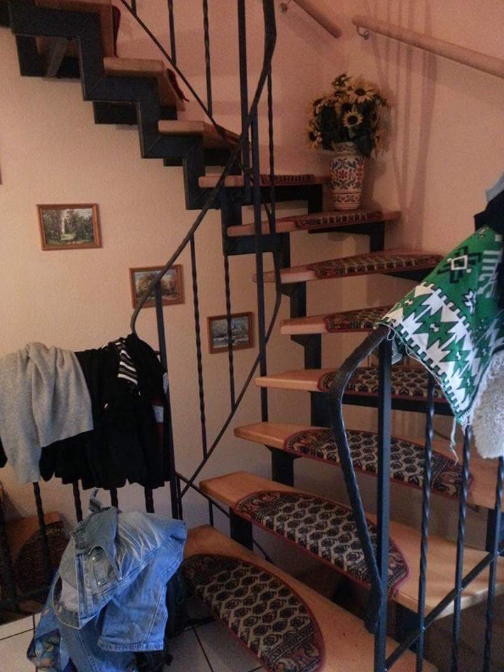 vorhandene treppenstufen h he halbieren treppe verkleinern. Black Bedroom Furniture Sets. Home Design Ideas