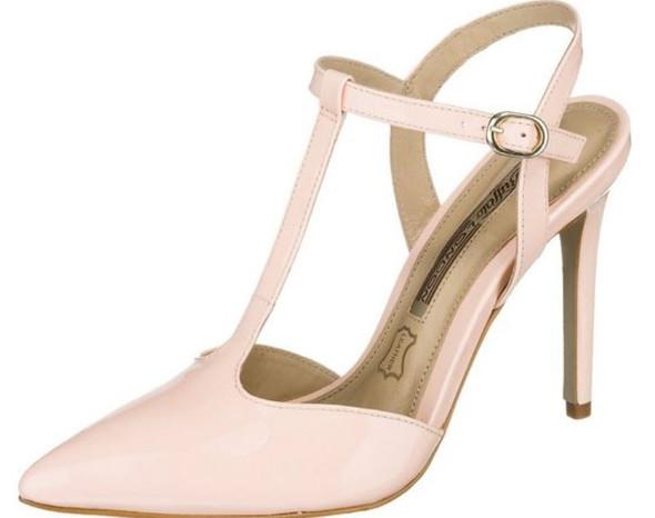 - (Mode, Schuhe, Style)