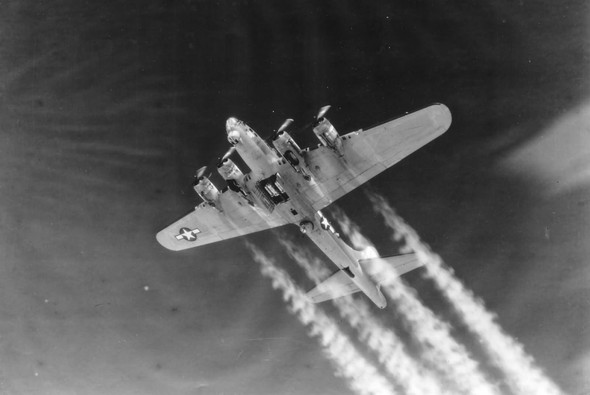 B-17 1944  - (Technik, Flugzeug, fliegen)