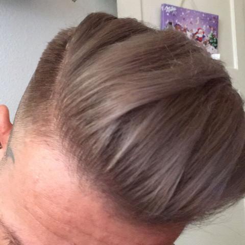Bild2-Festiger + leicht Creme (Handcreme o.Bodylotion😉) - (Haare, Friseur, Produkte)