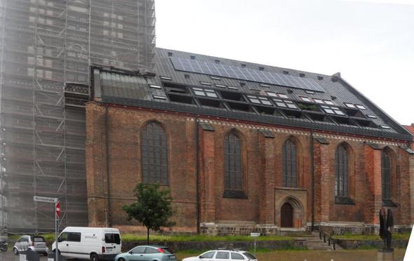 Wohnen in der Kirche - (Religion, Wirtschaft, Kirche)