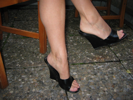 f e wegen high heels ver ndert beauty m nner high heels. Black Bedroom Furniture Sets. Home Design Ideas