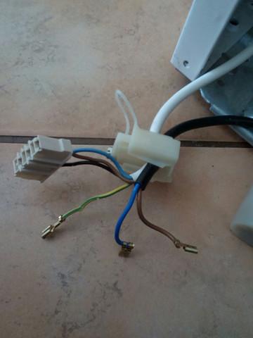 Mein Fehler: Kabel weiß 4 Adern, schwarz 2 Adern - (Technik, Elektronik, Strom)
