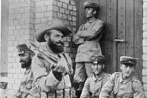 schutztruppensoldat - (Bundeswehr, Anzug, Hut)