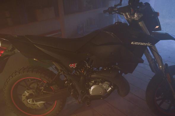- (Motorrad, 50ccm)