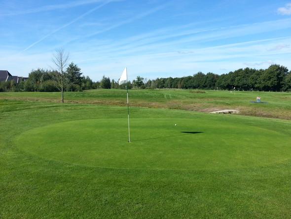- (Sport, Golf, Golfplatz)