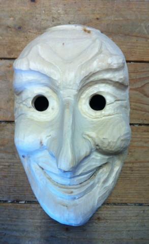 kann man f hrenholz zum schnitzen von masken verwenden maske. Black Bedroom Furniture Sets. Home Design Ideas