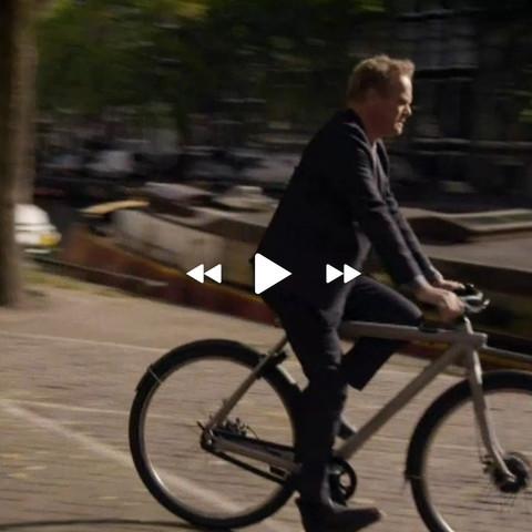 Foto aus Film - (App, Verliebt in Amsterdam, Fahrrad mit GPS)