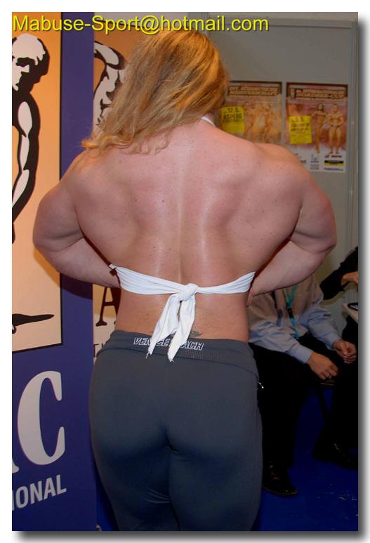Sind Bodybuilderin stärker als ein normaler Mann? (Frauen