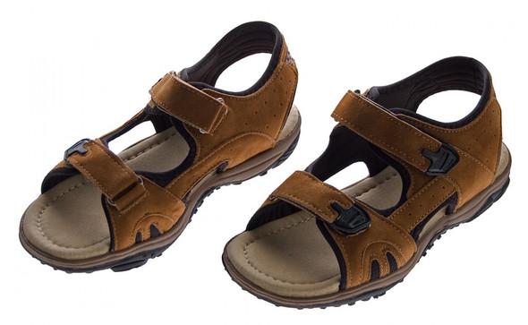 - (Schuhe, laufen, barfuß)
