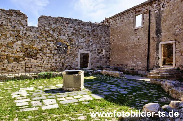 altes Kloster auf der Insel Pag - (Urlaub, Reise, Länder)