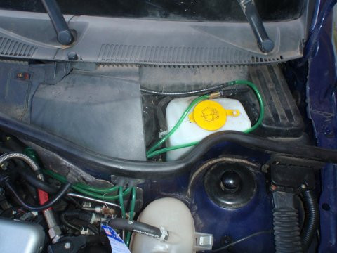 - (Auto, Bremsflüssigkeit, Opel Corsa C)