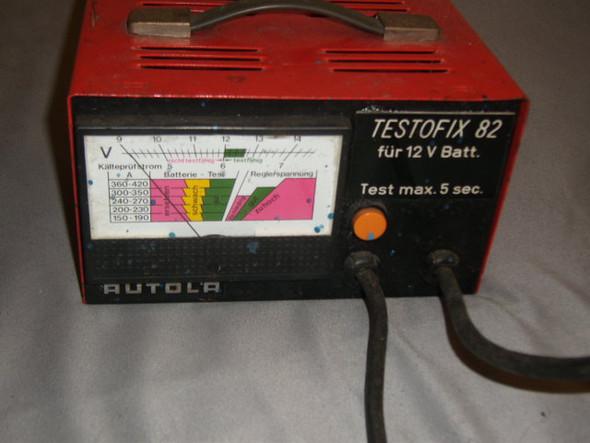Bild 2 - (Auto, Autobatterietester 100 Ampere, Autobatterie angeschlossenen Zustand )