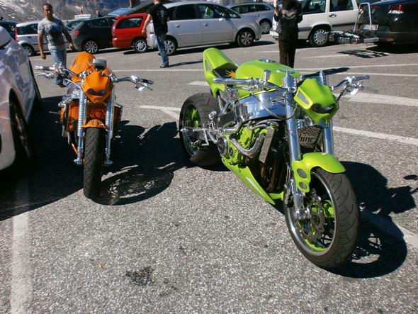 - (Motorrad, Auto und Motorrad, Reifen)