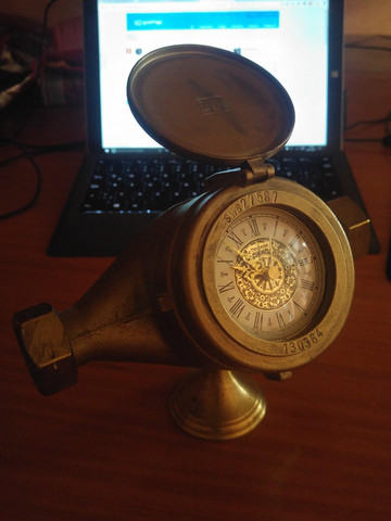 - (Uhr, Antiquitäten)