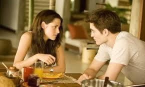 Flitterwochen: Edward verwöhnt seine Bella - (Film, Twilight, Vampire)