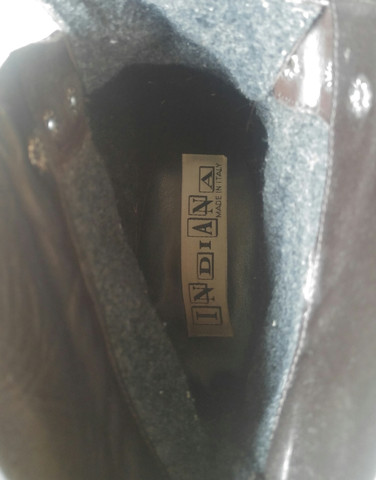 Das Markenlogo - (Schuhe, Preis)