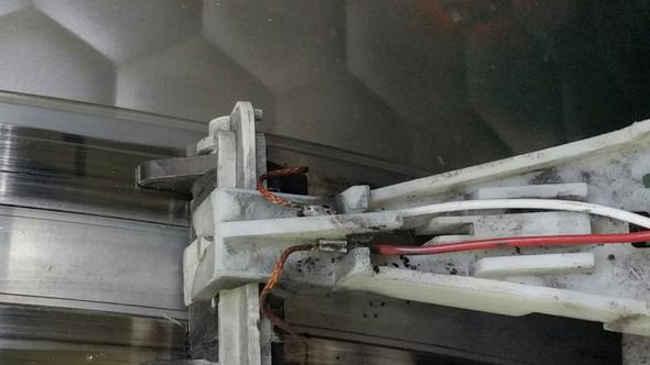 Kabel an der Kohlebürste der Trommel T8627WP - (Störung, Trockner)