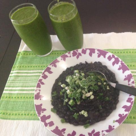 Zufällig Vegan. Schwarze Bohnen. Grüner Smoothie  - (Gesundheit, Körper, Ernährung)