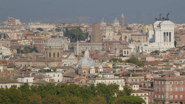 Blick vom Gianicolo - (Rom, Kolosseum, Kapitol)