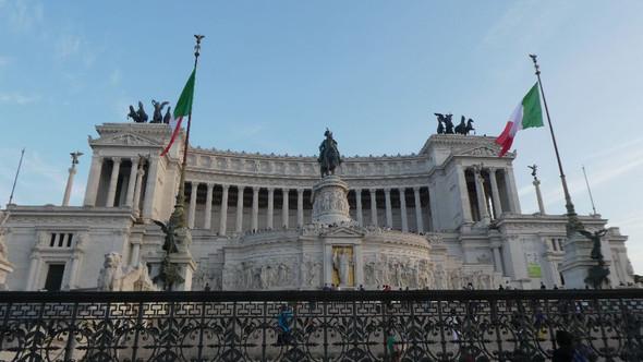 Vitt. Emanuele II - (Rom, Kolosseum, Kapitol)
