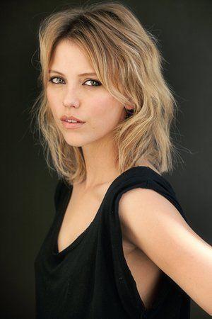 Riley Voelkel - (Alter, Vampire Diaries, Nikolaus)