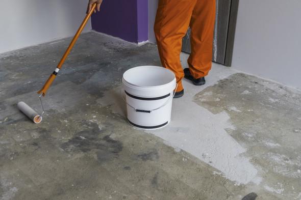 Untergrund Vor Vinylboden Verlegung Grundieren   (Haus, Bau, Renovierung)