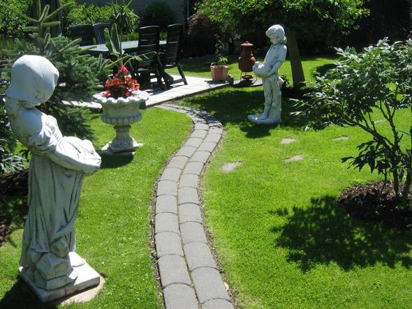 bei mir im Garten... - (Garten, Langeweile)