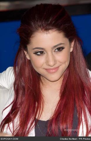 Ariana Grande - (Haare, Style)