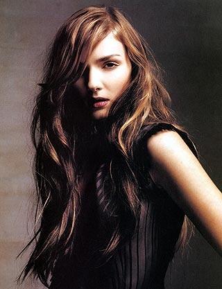 in dunklem braunem haar helle blonde strà hnchen haare beauty